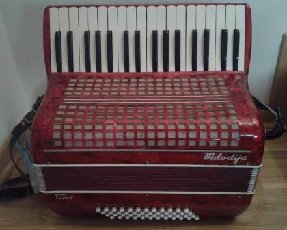 harmonika Melodija 48 basova