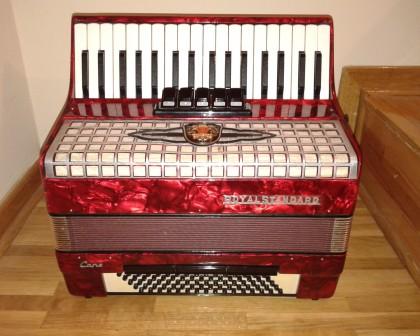 harmonika Royal Standard 80 basova 5 registra crvene boje